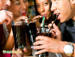 喝零卡飲料 也會增加糖尿病風險